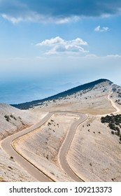 The lone cyclist on Mont Ventoux