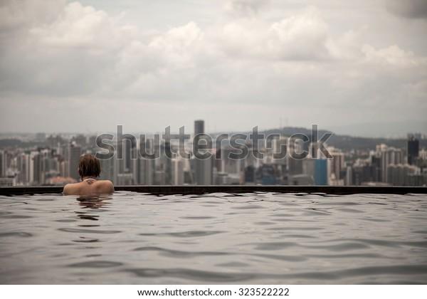 Escort girls Singapore