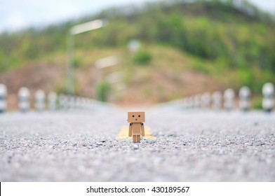 lonely road. Danbo first appeared in chapter 28 of the manga,first issued in April 2006.The Japanese company Kaiyodo has produced since late 2007.