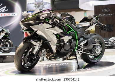 Long Beach, CA - November 13, 2014: Kawasaki Ninja H2 2015 motorcycle on display at the International Motorcycle Show