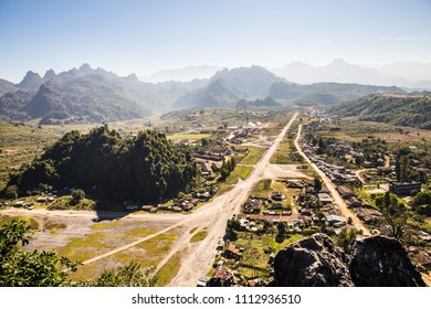 Long Chieng, Long Tieng LAO PDR In 1962 the CIA first set up a headquarters for Major General Vang Pao in the Long Tieng valley, which at that time had almost no inhabitants