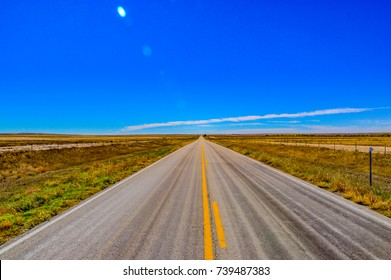 long and chipped asphalt roads in the major US highways in the state of Texas in the United States