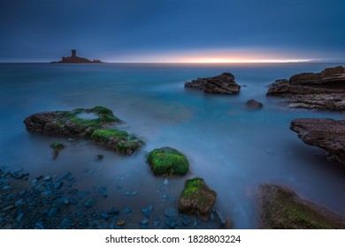 Long exposure around the golden island, photo taken on a public beach on The Dramont