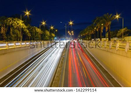 long-exposure-car-light-trails-450w-1622