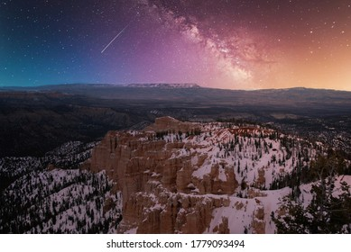 Long exposure milk way just after sunset on Bryce Canyon National Park