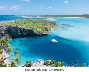 Long Island, Bahamas Dean's Blue Hole Diving Hole