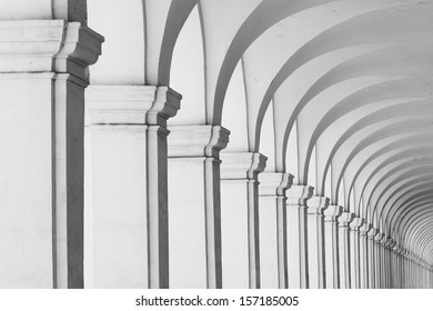 Long row of colonnade columns and arcs