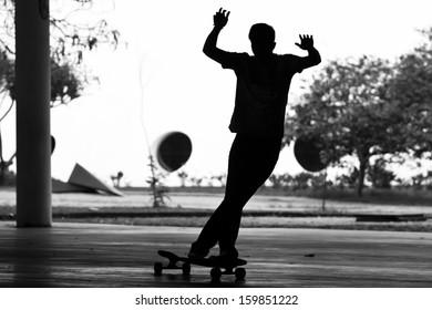 Longboard Skateboardyng Style