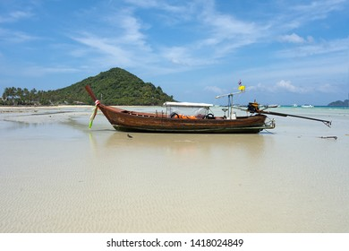 Longtail Boat at Loh Ba Kao Bay on Koh Phi Phi, Thailand