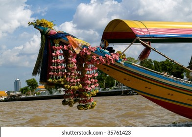 longtail boat on the bangkok river