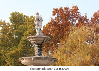 A lonly statue in Budapest