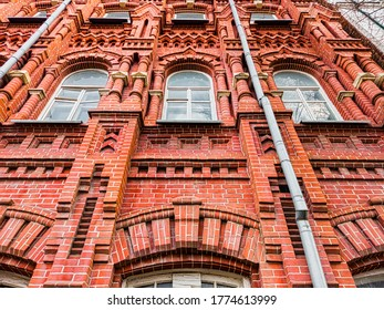 look-below-red-brick-building-260nw-1774
