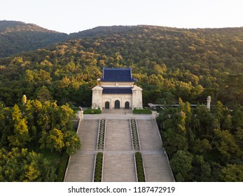 Looking down from the air in the morning, the full picture of Nanjing Sun Yat sen Mausoleum