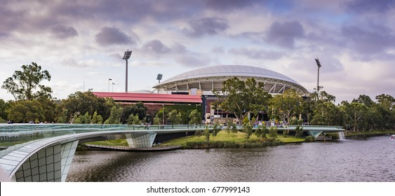 Looking over the River Torrens to the Adelaide Oval on Footy Day