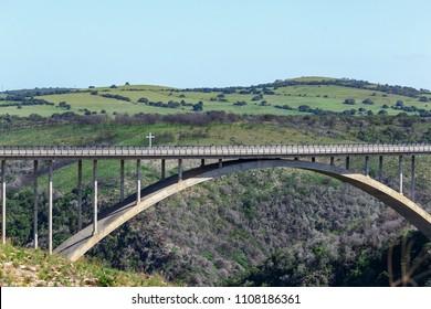 Lookout over the Van Stadens Bridge at the Van Stadens Wildflower Reserve