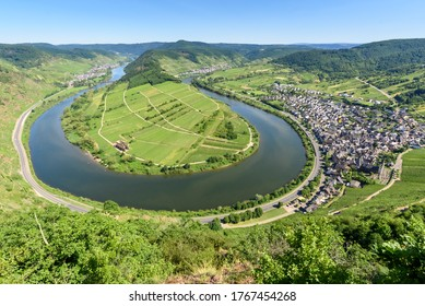 Loop of Moselle River (Moselschleife) in Bremm - Germany