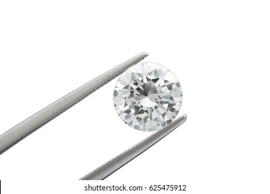 loose brilliant round diamonds is being held by tweezers on white background