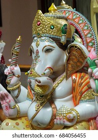 Lord Ganesha Ganapati Statue