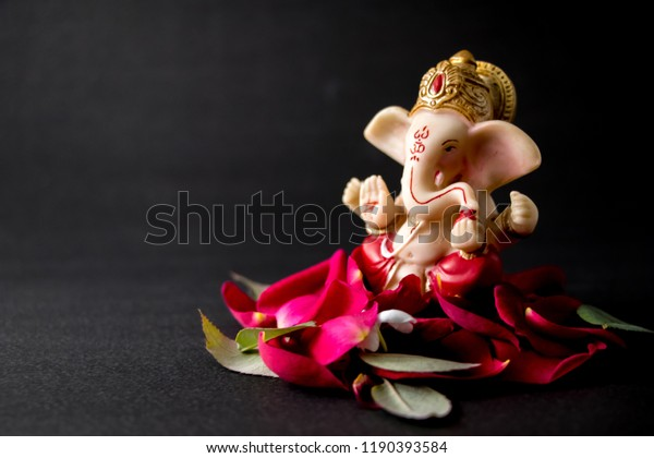 Lord Ganesha Idol Rose Petals White Stock Photo Edit Now 1190393584