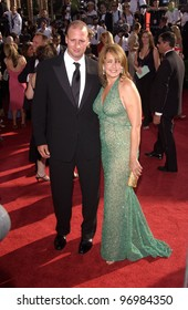 LORRAINE BRACCO at the 56th Annual Primetime EMMY Awards at the Shrine Auditorium, Los Angeles. September 19, 2004