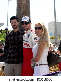 LOS ANGELES - APR 14:  Brother Brandon Jenner, Brody Jenner, mom Linda Thompson at the 2012 Toyota Pro/Celeb Race at Long Beach Grand Prix on April 14, 2012 in Long Beach, CA.