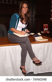 LOS ANGELES - APR 14:  Jillian Michaels signs copies of 'Unlimted'  on April 14,2011 in Los Angeles, CA