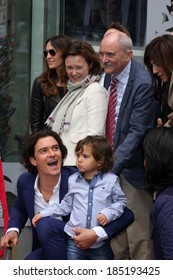 LOS ANGELES - APR 2:  Samantha Bloom, Colin Stone, Orlando Bloom, Flynn Bloom at the Orlando Bloom Hollywood Walk of Fame Star Ceremony at TCL Chinese Theater on April 2, 2014 in Los Angeles, CA