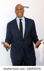 LOS ANGELES - APR 22:  Senator Cory Booker of New Jersey at the 2017 The Humane Society Gala at Parmount Studios on April 22, 2017 in Los Angeles, CA