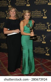 LOS ANGELES - APR 24: Elizabeth Ashley at The 42nd Daytime Creative Arts Emmy Awards Gala at the Universal Hilton Hotel on April 24, 2015 in Los Angeles, California