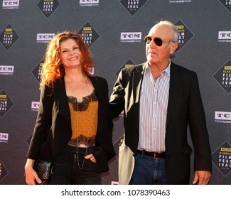 LOS ANGELES - APR 26:  Lolita Davidovich, Ron Shelton at the 2018 TCM Classic Film Festival - Opening Night Gala at TCL Chinese Theater IMAX on April 26, 2018 in Los Angeles, CA