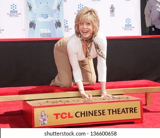 LOS ANGELES - APR 27:  Jane Fonda arrives to the Jane Fonda Hand and Foot print Ceremony  on April 27, 2013 in Los Angeles, CA.