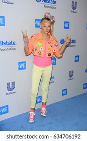 LOS ANGELES - APR 27:  JoJo Siwa at the We Day California 2017 at The Forum on April 27, 2017 in Inglewood, CA