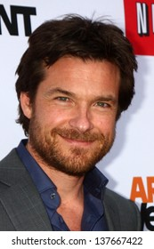 """LOS ANGELES - APR 29:  Jason Bateman arrives at the """"Arrested Development"""" Los Angeles Premiere at the Chinese Theater on April 29, 2013 in Los Angeles, CA"""