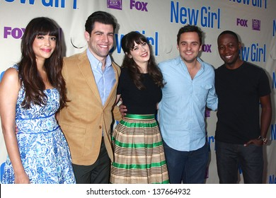 """LOS ANGELES - APR 30:  Hannah Simone, Max Greenfield, Zooey Deschanel, Jake Johnson, Lamorne Morris arrive at An Evening with """"New Girl"""" at the ATAS on April 30, 2013 in North Hollywood, CA"""