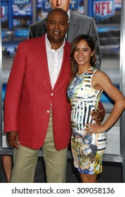 LOS ANGELES - APR 7:  Chi McBride and wife Julissa arrives at the DRAFT DAY LOS ANGELES PREMIERE   on April 7, 2014 in Westwood, CA