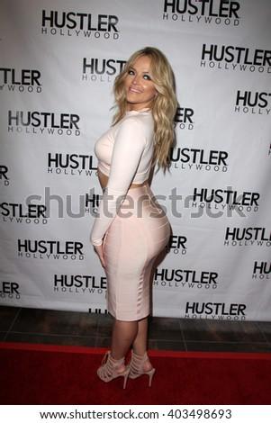 Kim Kardashians Wet Pussy Big Tites