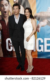 "LOS ANGELES - AUG 1:  Jason Bateman; Amanda Anka arriving at ""The Change-Up"" Premiere at Regency Village Theater on August 1, 2011 in Los Angeles, CA"