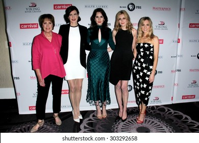 """LOS ANGELES - AUG 1:  P Wilton,  McGovern, Hugh Bonneville, M Dockery, Laura Carmichael, J Froggatt at the """"Downton Abbey"""" Photo Call at the Beverly Hilton Hotel on August 1, 2015 in Beverly Hills, CA"""
