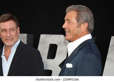 "LOS ANGELES - AUG 11:  Alan Nierob, Mel Gibson at the ""Expendables 3"" Premiere at TCL Chinese Theater on August 11, 2014 in Los Angeles, CA"