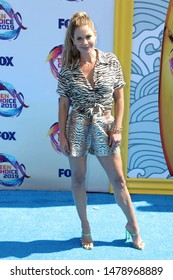 LOS ANGELES - AUG 11:  Candace Cameron-Bure at the Teen Choice Awards 2019 at Hermosa Beach on August 11, 2019 in Hermosa Beach, CA
