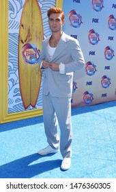 LOS ANGELES - AUG 11:  KJ Apa arrives for the 2019 Teen Choice Awards on August 11, 2019 in Hermosa Beach, CA