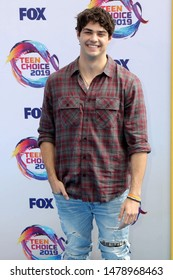 LOS ANGELES - AUG 11:  Noah Centineo at the Teen Choice Awards 2019 at Hermosa Beach on August 11, 2019 in Hermosa Beach, CA