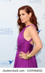 LOS ANGELES - AUG 18:  Debra Messing at the Angel Awards 2018 at the Project Angel Food on August 18, 2018 in Los Angeles, CA