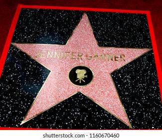 LOS ANGELES - AUG 20:  Jennifer Garner WOF Star at the Jennifer Garner Star Ceremony on the Hollywood Walk of Fame on August 20, 2018 in Los Angeles, CA
