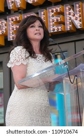 LOS ANGELES - AUG 22:  Valerie Bertinelli at the ceremony for Valerie Bertinelli Hollywood Walk of Fame Star at Hollywood Blvd. on August 22, 2012 in Los Angeles, CA