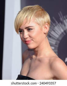 LOS ANGELES - AUG 24:  Miley Cyrus arrives to the 2014 Mtv Vidoe Music Awards on August 24, 2014 in Los Angeles, CA