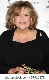 LOS ANGELES - AUG 27:  Brenda Vaccaro arrives at the 62nd Primetime Emmy Awards Performers Nominee Reception at Spectra - Pacific Design Center on August 27, 2010 in Los Angeles, CA
