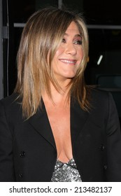 """LOS ANGELES - AUG 27:  Jennifer Aniston at the """"Life of Crime"""" LA Premiere at ArcLight Hollywood Theaters on August 27, 2014 in Los Angeles, CA"""