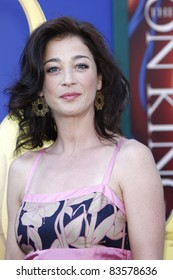LOS ANGELES - AUG 27: Moira Kelly at the premiere of Walt Disney Studios' 'The Lion King 3D' on August 27, 2011 in Los Angeles, California