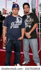 LOS ANGELES - AUG 29:  Linkin Park arrives to the Mtv Video Music Awards  on August 29, 2004 in Miami, FL.